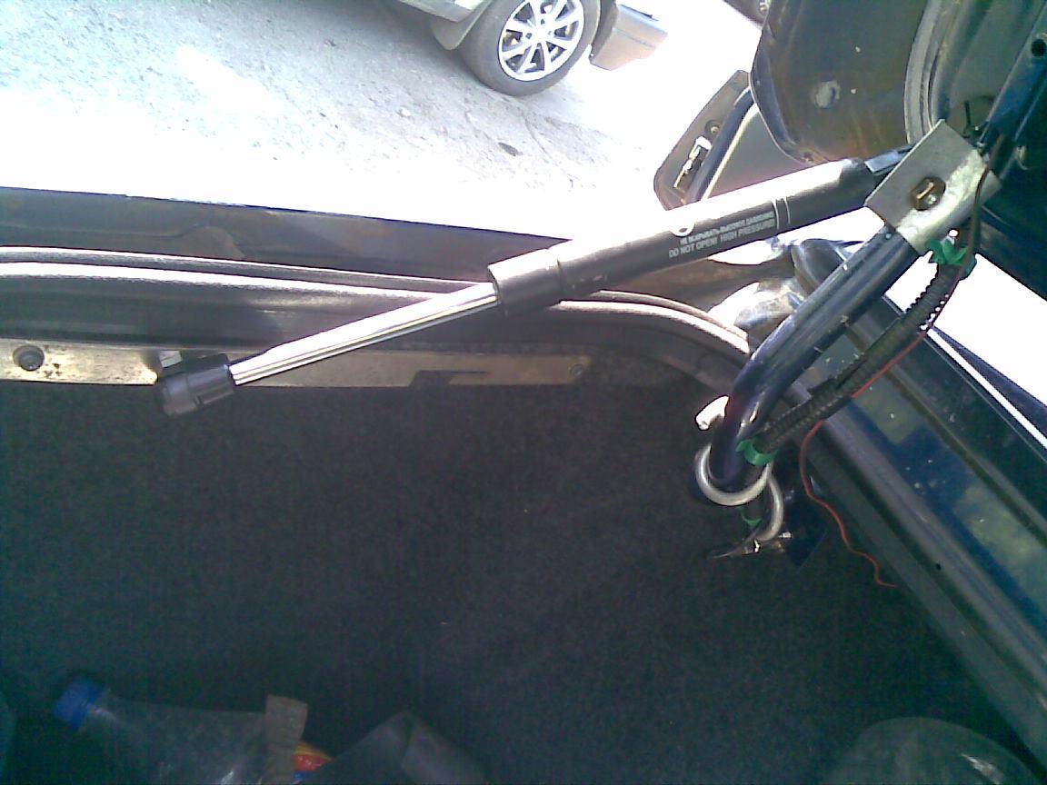 Как отремонтировать амортизатор багажника своими руками